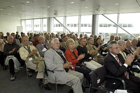 jahresveranstaltung 2004 – das tor zur welt offen lassen  ~ Geschirrspülmaschine Offen Lassen